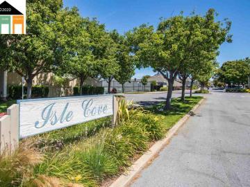 876 Ursa Ln, Isle Cove, CA