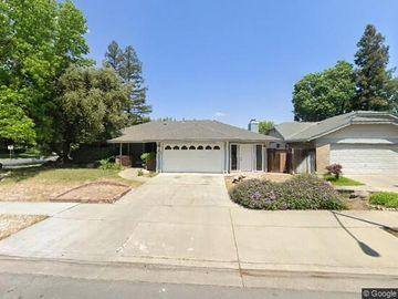 883 Rensselaer Dr, Merced, CA