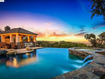 9472 Blessing Dr, The Preserve, CA