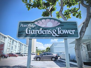 98-1032 Moanalua Rd unit #3-206, Pearlridge, HI